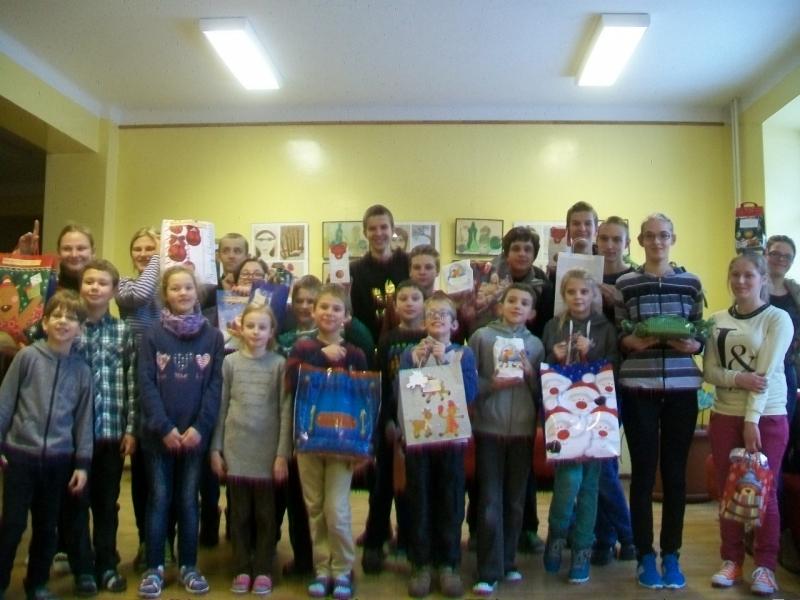 Bernardinų parapijos tikinčiųjų dovanos LKNUC mokiniams